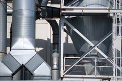 travail industriel de tuyau de climatiseur Photos stock