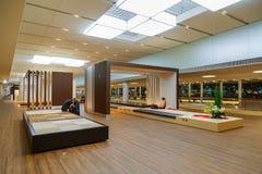 Travail intérieur d'aéroport de Narita au Japon Photos libres de droits