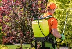 Travail saisonnier d'insecticide image libre de droits