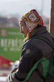 Travail supérieur péruvien au marché de nourriture dans Cusco, Pérou Photo stock