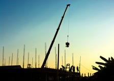 Travailler de travailleurs de la construction Images stock