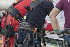Travailleur d'accès de corde photographie stock libre de droits