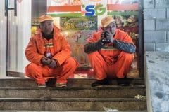 Travailleur d'hygiène de rue image stock