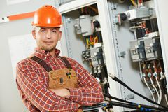 Travailleur d'ingénieur d'électricien photographie stock libre de droits