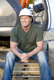 Travailleur de la construction de sourire heureux. images stock