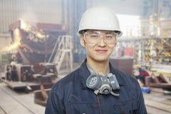 Travailleur de la construction sur le site, portrait Photographie stock libre de droits