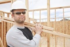 Travailleur de la construction sur le travail Image stock