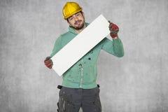 Travailleur fou avec l'espace publicitaire vide Photo libre de droits