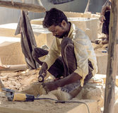 Travailleur ouvrant la statue Photographie stock libre de droits