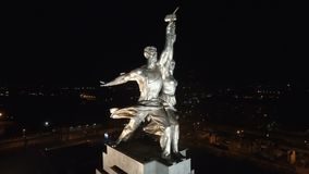 Travailleur soviétique célèbre de Rabochiy i Kolkhoznitsa de monument et femme kolkhozienne banque de vidéos