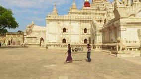 Travailleurs d'Ananda Temple banque de vidéos