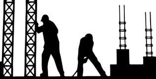 Travailleurs de la construction sur la construction de bâtiments Images libres de droits