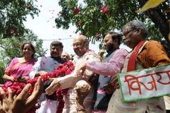 Travailleurs de partie de Bjp célébrant pendant l'élection dans l'Inde Image stock