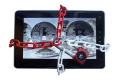 Travamento seguro da tabuleta como a proteção do vírus Foto de Stock