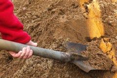 Travaux de construction dans la campagne pile d'à sable jaune Images libres de droits