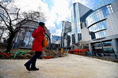 Travaux de construction près des sièges sociaux de Commission européenne Photo libre de droits