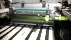Travaux en gros plan de machine impression dans une Chambre impression clips vidéos