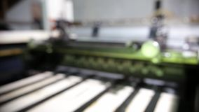 Travaux industriels de machine impression dans une Chambre impression banque de vidéos