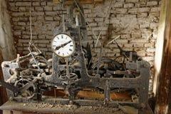 Travaux mécaniques dans la jument de Copsa, Roumanie Photos stock