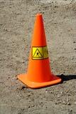 travaux oranges d'avertissement de route de cône Photo libre de droits