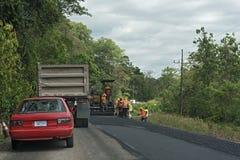 Travaux routiers sur l'itinéraire 32 en Costa Rica Images libres de droits