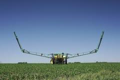 Travaux sur le terrain - agriculture moderne Images libres de droits