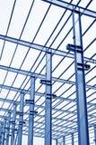Trave di acciaio del tetto del gruppo di lavoro di produzione industriale Immagine Stock