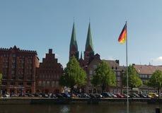 Trave-Fluss, alte Stadt von Lubek deutschland lizenzfreie stockbilder