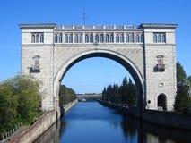 Trave no rio de Volga perto de Uglich Imagens de Stock