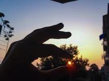 Trave um nascer do sol imagem de stock