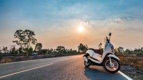 Traveal с мотоциклом Стоковые Изображения