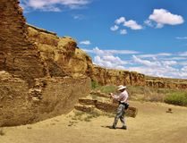Travel writer and photographer at work in New Mexico desert stock photo