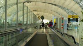 Travelator在曼谷机场终端  股票录像