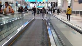 Travelator för Istanbul flygplatsULTRARAPID stock video