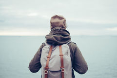 Traveler with backpack and sea Royalty Free Stock Photography