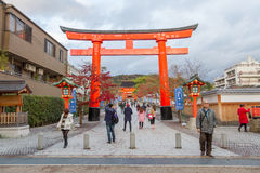 Traveler walking in the Fushimi Inari Taisha Shrine Royalty Free Stock Photos