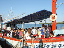 Travelers on a ferry between Koh Samae sarn and pattaya Royalty Free Stock Photography