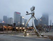 Free Traveling Man Stainless Steel Scupture, Deep Ellum, Dallas, Texas Royalty Free Stock Photo - 109632915