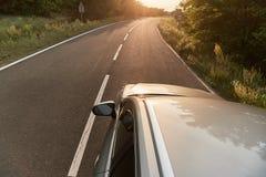 Travellin на автомобиле стоковые изображения rf