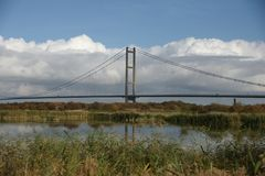 Traversée de la rivière de Kingston Upon Hull de pont de Humber Photo stock