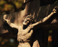Traversa santa con il Gesù Cristo crucified Fotografia Stock Libera da Diritti