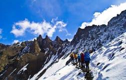 Traversez la montagne de neige Photo stock