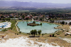 Travertijnpools in oude Hierapolis, nu Pamukkale, Turkije Royalty-vrije Stock Foto's