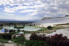 Travertijnpools in oude Hierapolis, nu Pamukkale, Turkije Royalty-vrije Stock Afbeeldingen
