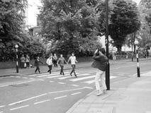 Travesía de Abbey Road en Londres blanco y negro Fotos de archivo