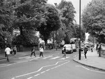 Travesía de Abbey Road en Londres blanco y negro Imágenes de archivo libres de regalías