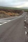 Travesía de camino un flujo de lava Fotos de archivo libres de regalías