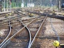 Travesía de las pistas de ferrocarril Foto de archivo libre de regalías