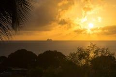 Travesía del Caribe de la puesta del sol Fotografía de archivo libre de regalías