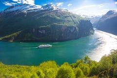 Travesía del fiordo de Geranger, Noruega Imagen de archivo
